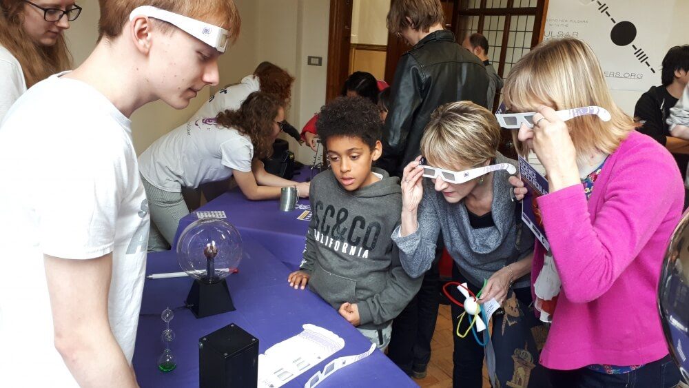 The University of Manchester: Physics Outreach