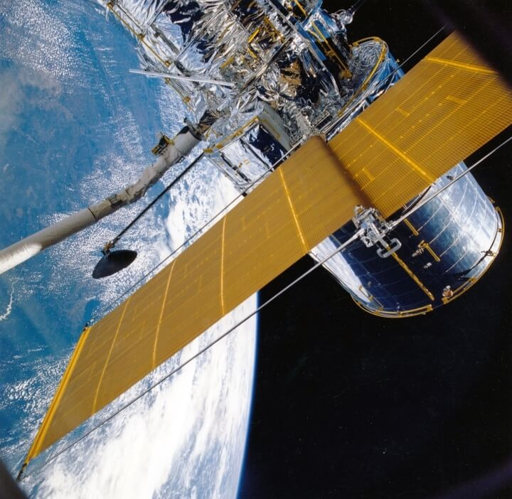Hands-On Hubble